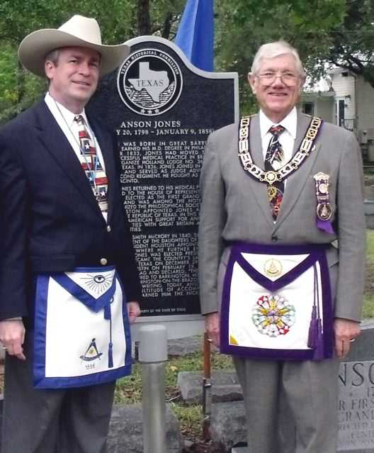 Kameron Searle, President of the Texas Heritage Society, and Vernon Burke, Past Grand Master of Masons in Texas